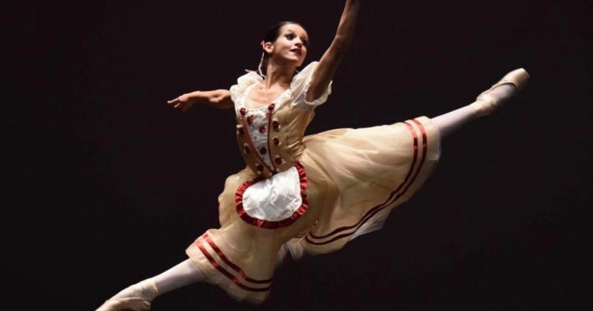 9e0c3c4fc4 Jovem bailarina Carolina Costa a caminho dos Estados Unidos