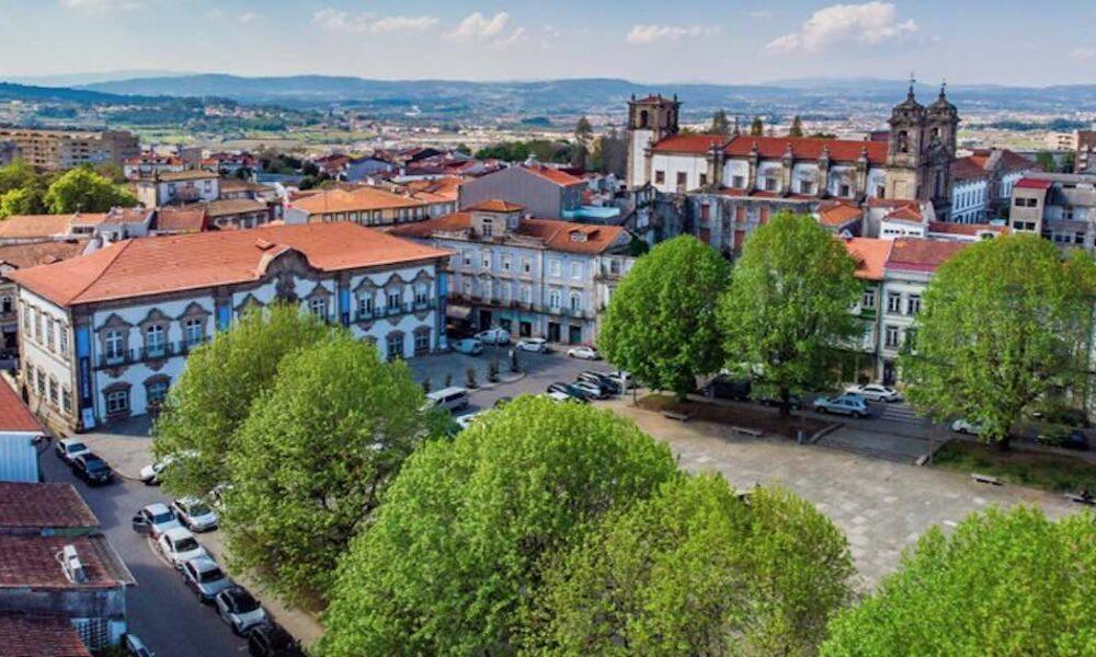 """Resultado de imagem para Câmara de Braga aprova indemnização de 3 milhões de euros aos funcionários por """"trabalho a mais"""""""